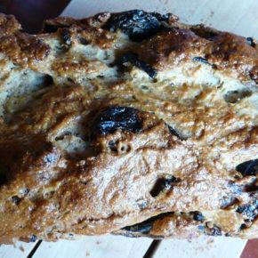 pâine dulce cu prune uscate