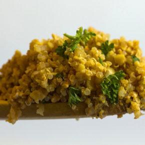 Ardei copți cu quinoa și smântână