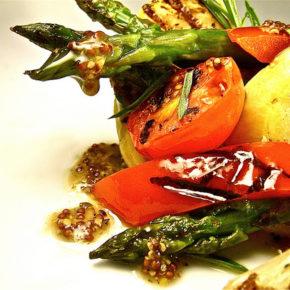 salată din legume la grătar