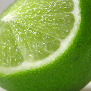 Lime, o mică bombă cu vitamina C