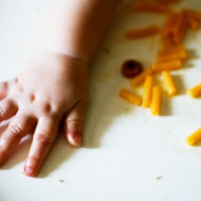"3 tipuri de ""finger food"" potrivite de la 6 luni"