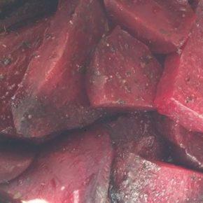 Sfeclă coaptă cu măghiran și usturoi