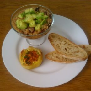 quinoa cu avocado