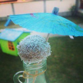 Bomboane cu hrișcă și nucă de cocos