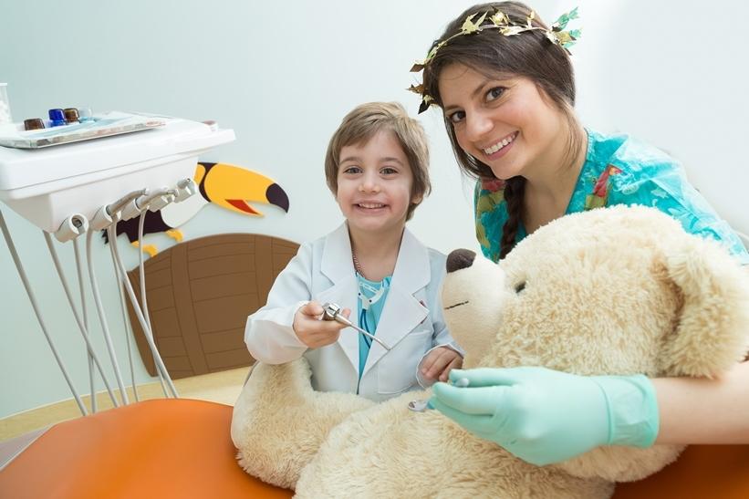 Prima vizită la medicul dentist pediatru 1