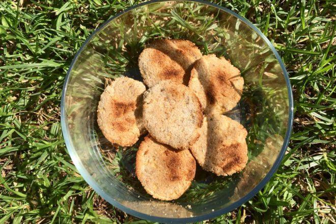 Biscuiți cu semințe și făină de cocos