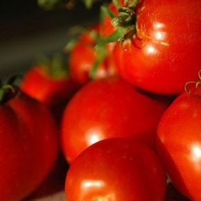 4 metode eficiente pentru decojirea roșiilor
